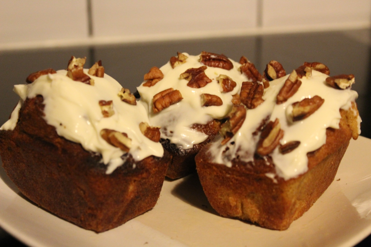 Carrot Loaf Cakes with Cream CheeseIcing